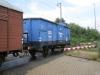 ostfriesische-kustenbahn-wagen-mko-47-103-karlsruhe-schwarzer-friese-bahnubergang