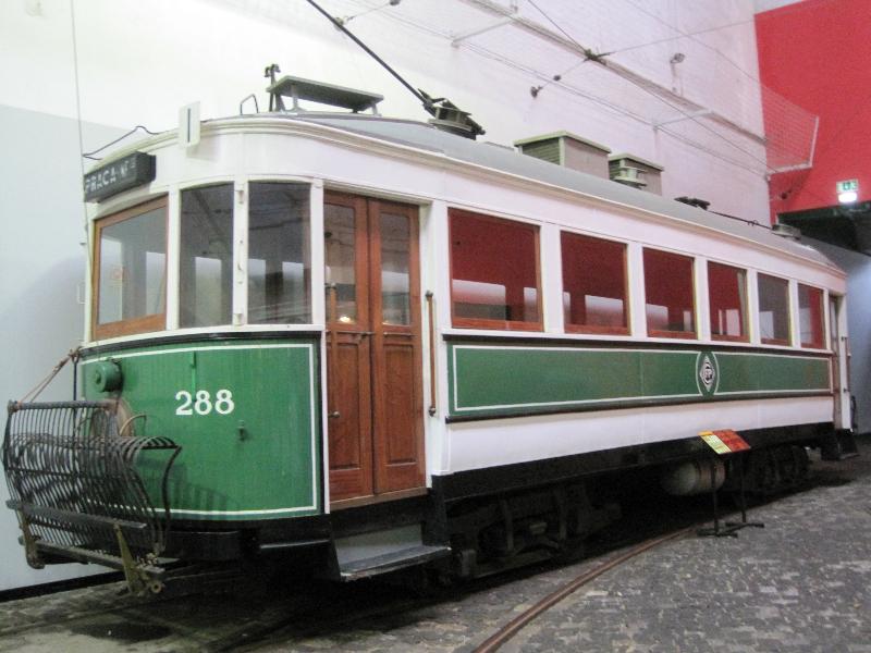f1019840